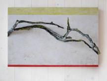 Gefrosteter Ast (1), 2016, Holz, Papierabguss, Acryl, 40 x 60 x 6 cm